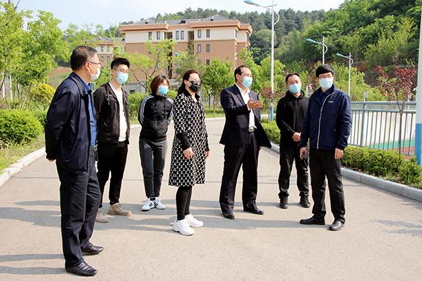 本溪市教育局尹晓伟副局长到省实验本溪分校调研指导开学工作