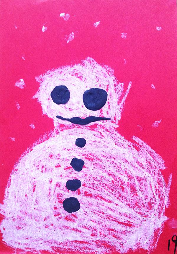 小班美工作品《堆雪人》