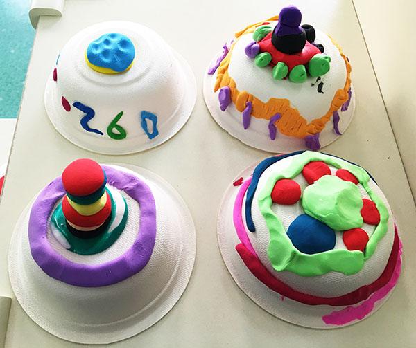 中班幼儿作品《我来做蛋糕》